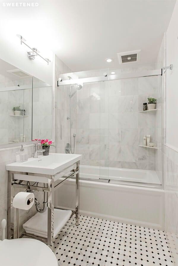 SWEETEN_Laura_Bathroom-01