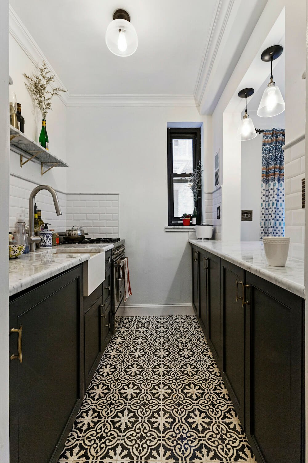 Galley Kitchen: Why A Galley Kitchen Rules In Small Kitchen Design