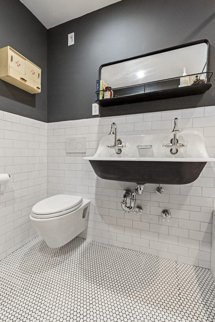 bathroom open shelving