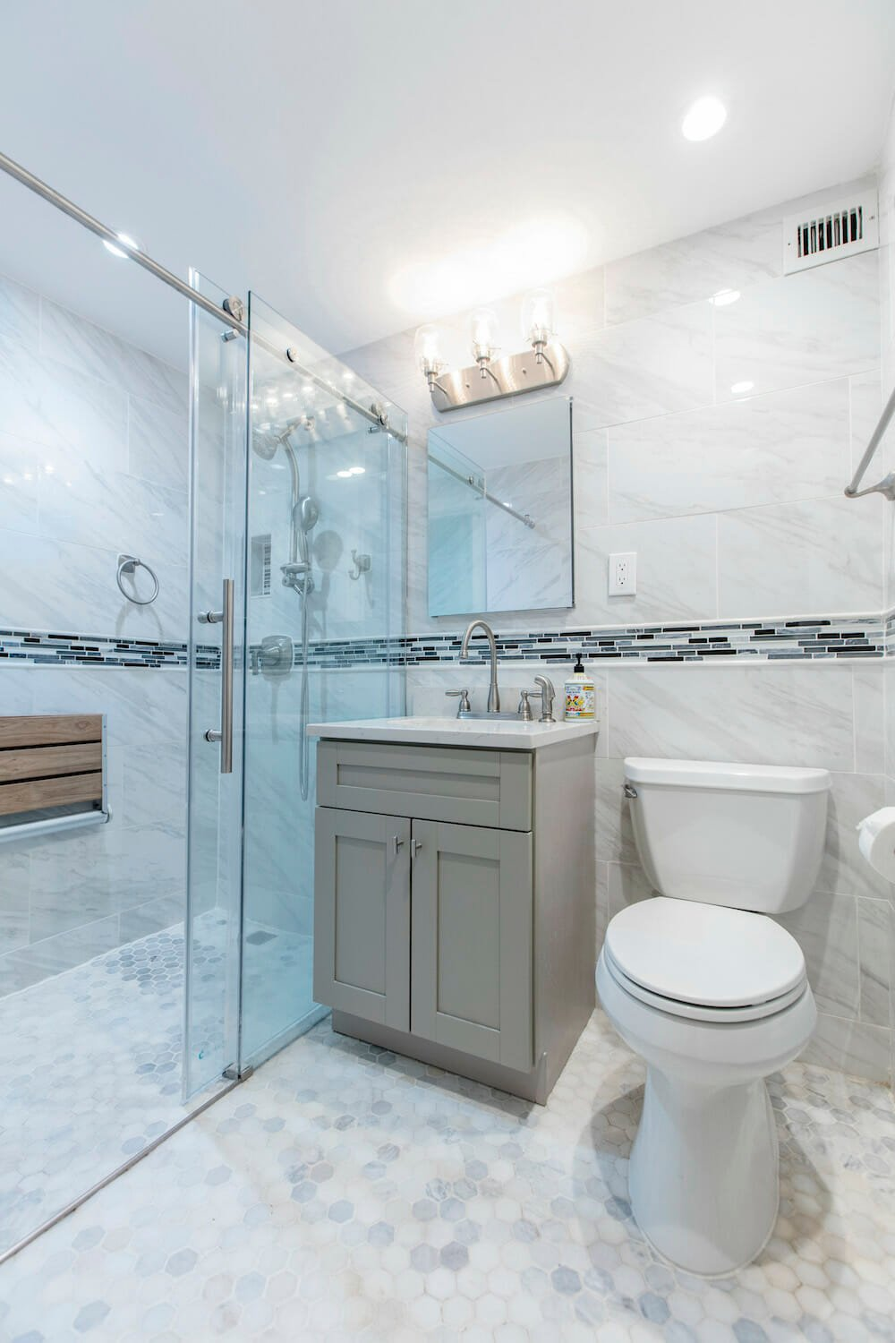 accessible design, shower seat, senior-friendly, bathroom trends 2019